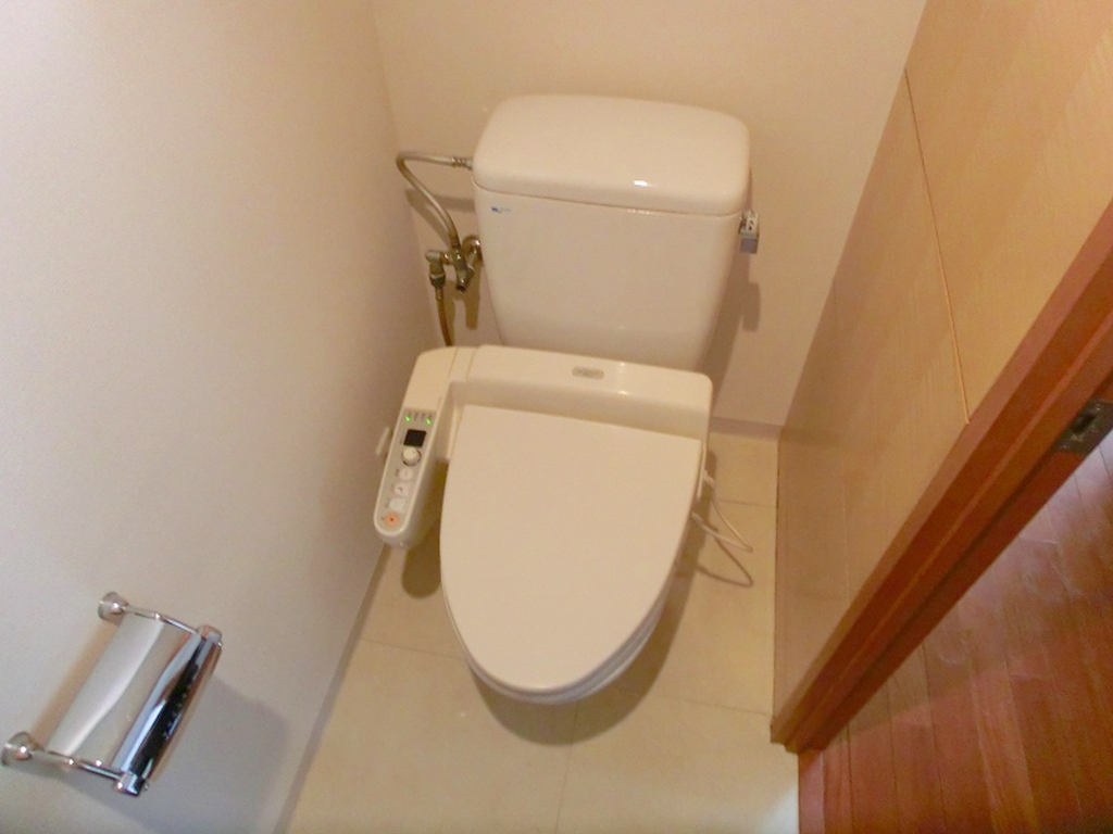 戸建て トイレ のリフォーム施工事例手洗いもオシャレなホテルのような